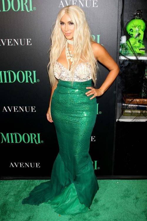 Kim Kardashian A La Soiree D'Halloween