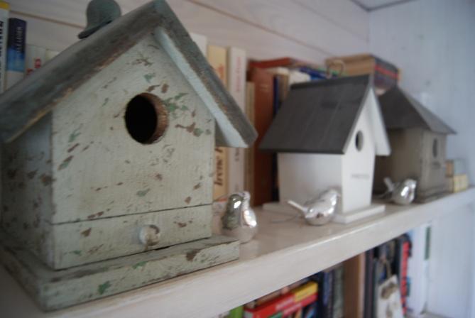 Collection de nichoirs à oiseaux