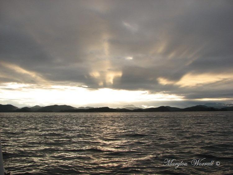 Nouvelles du Canada 118 : Lever du soleil sur l'Archipel Broughton