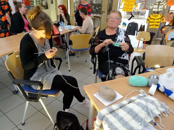 """""""La journée du tricot"""" a eu lieu au CSCL de Châtillon sur Seine"""