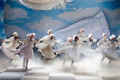 dance ballet nutcraker mathew bourne's