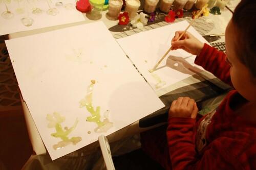 Peinture végétale aux primevères