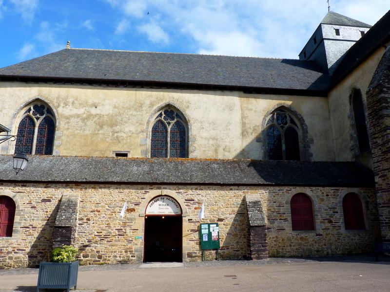 L'église abbatiale Notre Dame de Paimpont