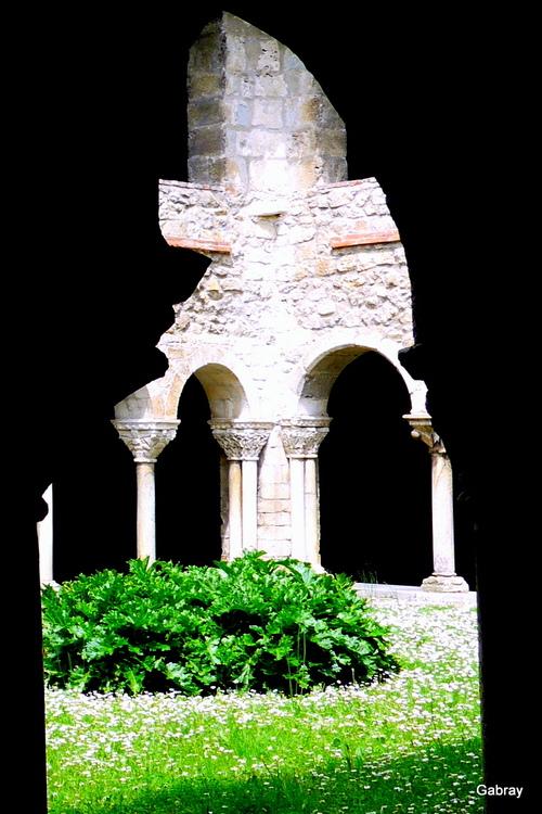 Saint Lizier: le cloître roman