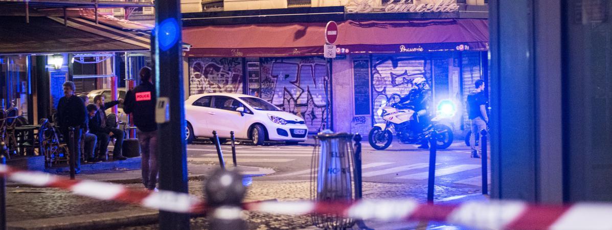 Un périmètre de sécurité dans le 11e arrondissement de Paris dans la nuit du 13-Novembre.