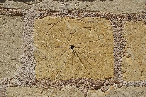 1-Eglise Sainte-Croix cadran solaire