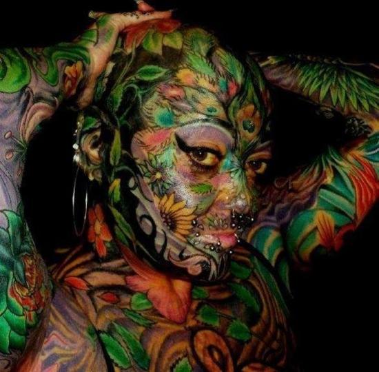 Femme la plus tatouée au monde