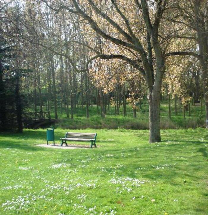Gravelines, nature, remparts, jardin des sculptures.
