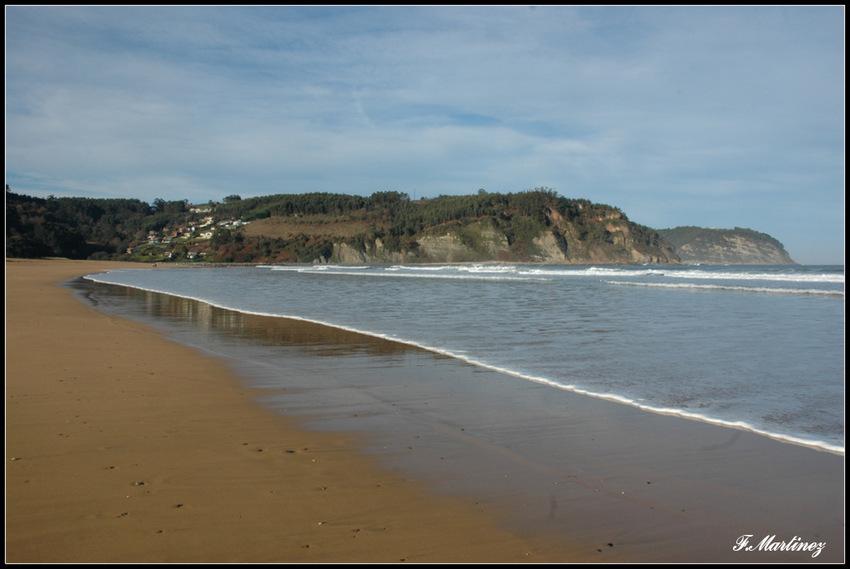 La plage de Rodiles