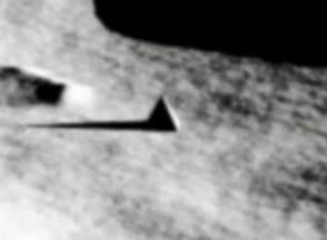 Ufologie - Une pyramide sur la Lune