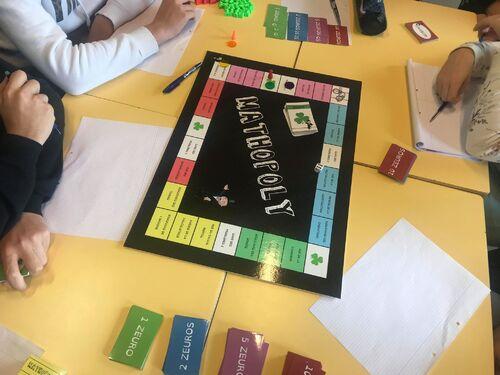Le Maths'opoly, jeu pour réviser les maths de la classe de Mallory