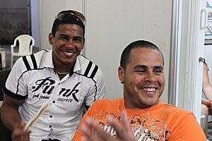 Cuba-La Havane(64 )sourire cubain au marché artisanal