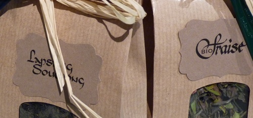 Etiquettes de thé calligraphiées
