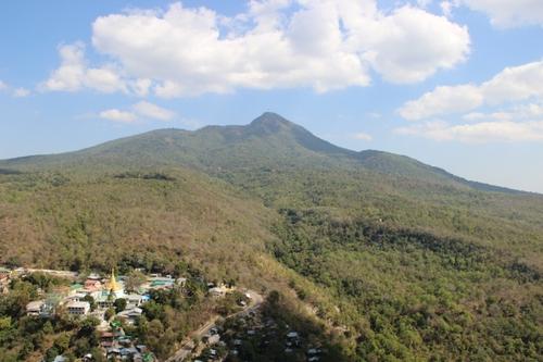 Le mont Popa