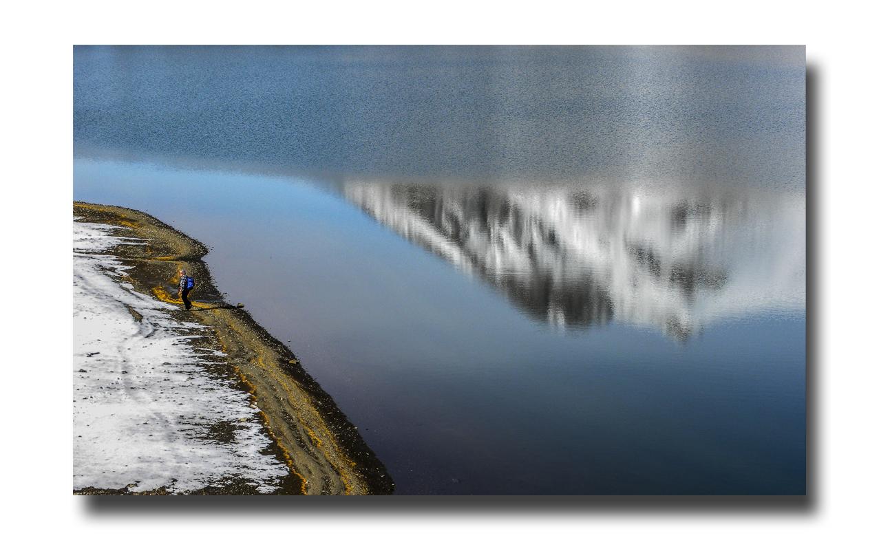 Minéralité abreuvée........le lac d'Allos.