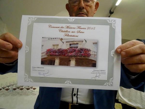 Remise des prix des maisons fleuries à Châtillon sur Seine pour l'année 2015