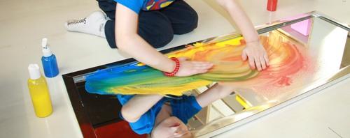 Peinture sur miroir et mélanges de couleurs
