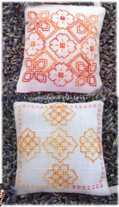 "Coussinet lavande ""blackwork"""