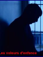 Film choc au style pamphlétaire, le documentaire brosse un portrait critique de la protection de la jeunesse au Québec