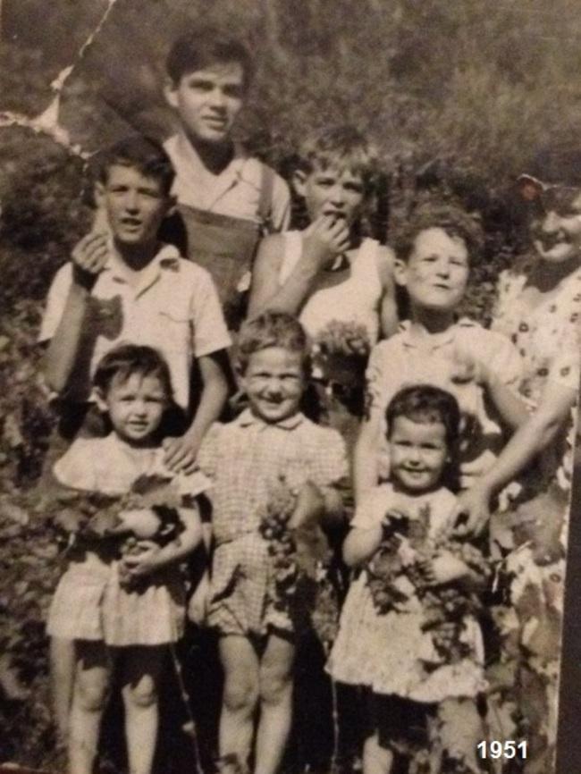 in 1951 pè sti rughjoni sculcaracci