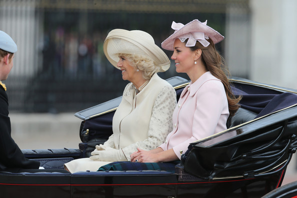 Camilla, Kat et Harry à Trooping the color