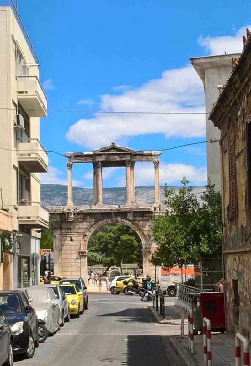 Suite temple et musée Grèce.