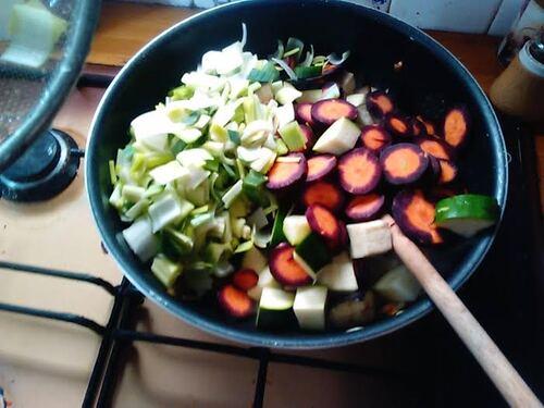 Soupe de tomate un peu comme un cousous {Vegan}
