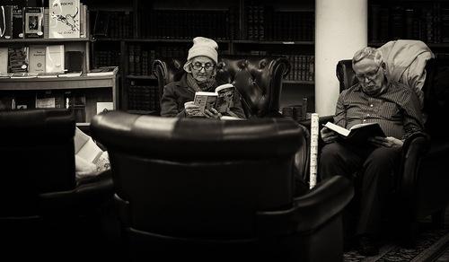 01 - Les vieilles dames lisant