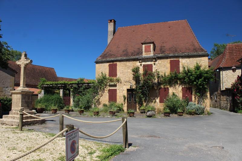 St Léon sur Vézère
