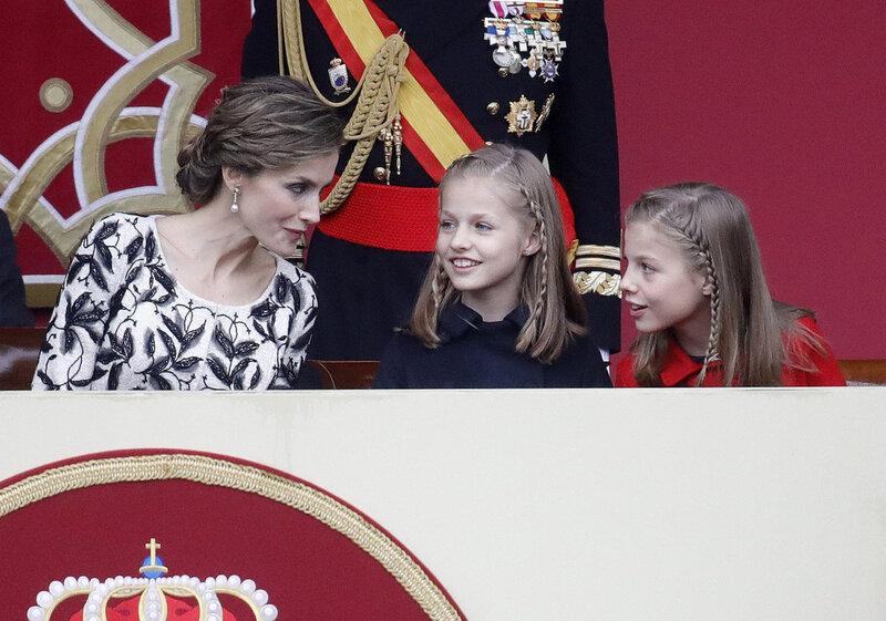 La famille royale à une parade militaire ce jour