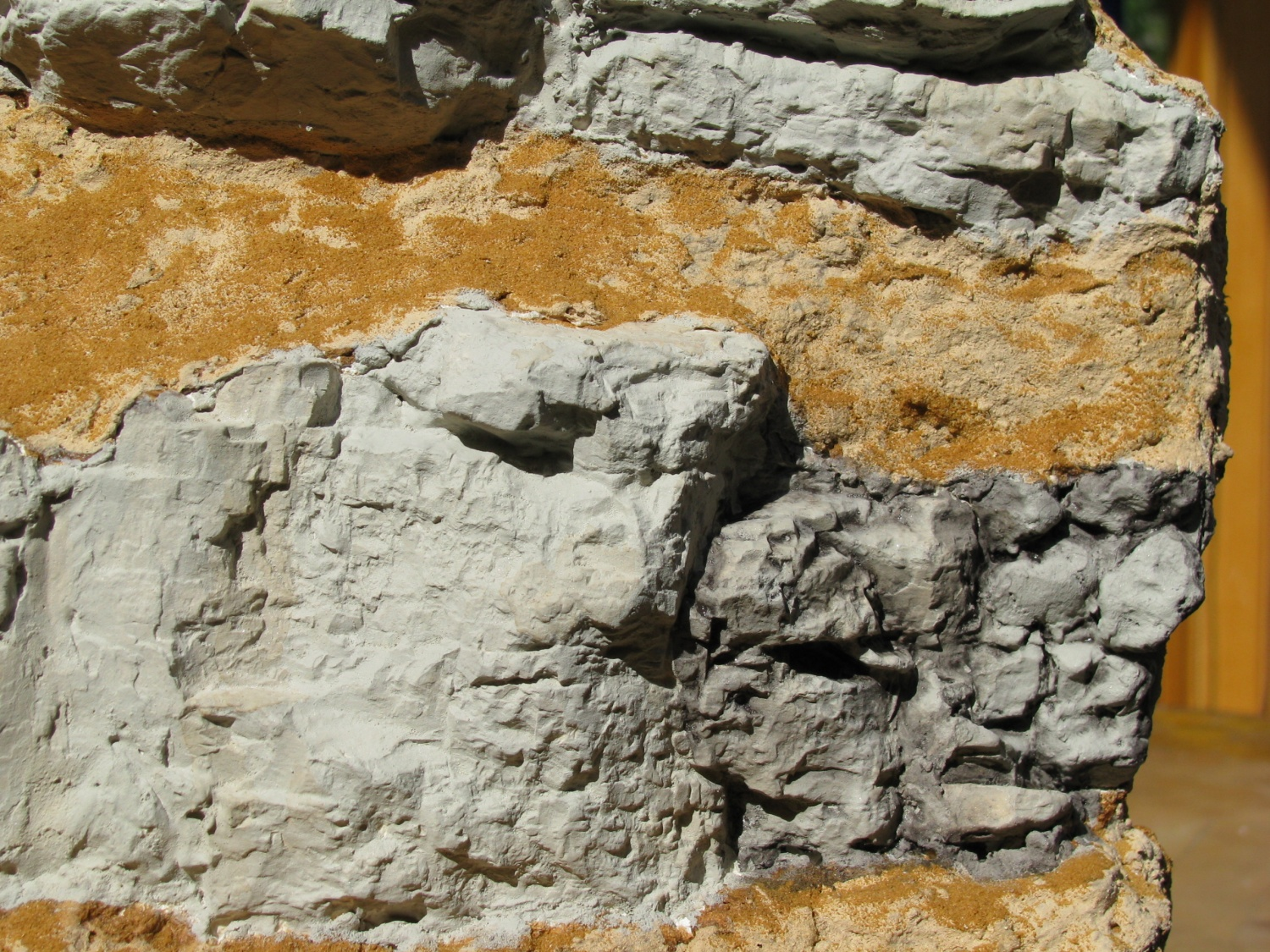 Un diorama d 39 essai 12 peinture des rochers et du mur trains miniatures for Peinture granit