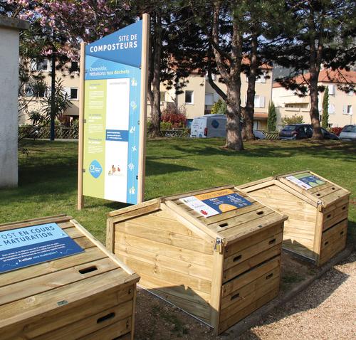 """Petit  cours de compostage avec l'association """"Art'Déchets"""""""