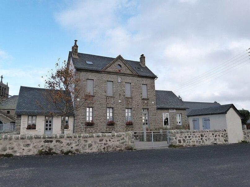 Mairie de La Trinitat.jpg