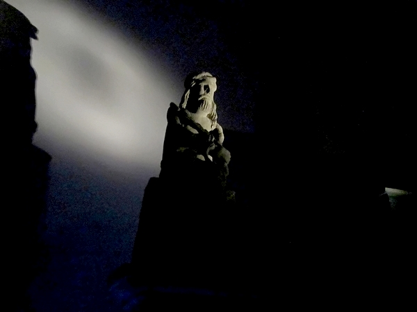 Une visite nocturne au Musée du Pays Châtillonnais, pour admirer les œuvres exposées, avec un autre regard... ....