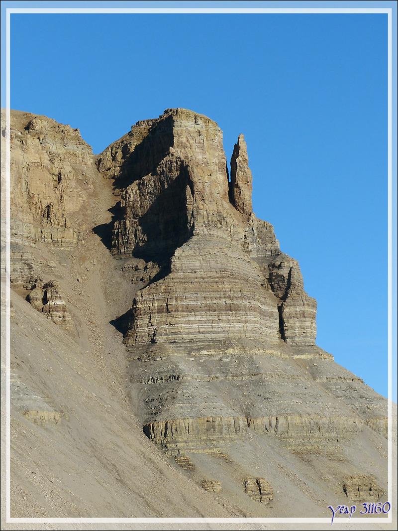 Les superbes falaises de Crocker Bay - Devon Island - Baffin Bay - Nunavut - Canada