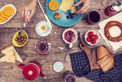 Un bon petit déjeuner est essentiel pour alcaliniser le corps