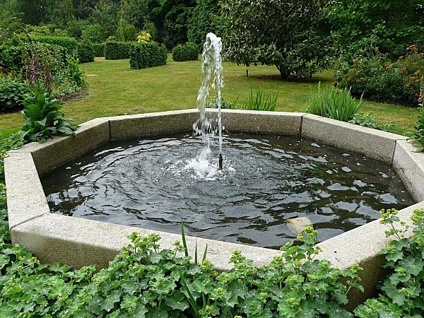 Kermoureau-fontaine-P1180918.JPG