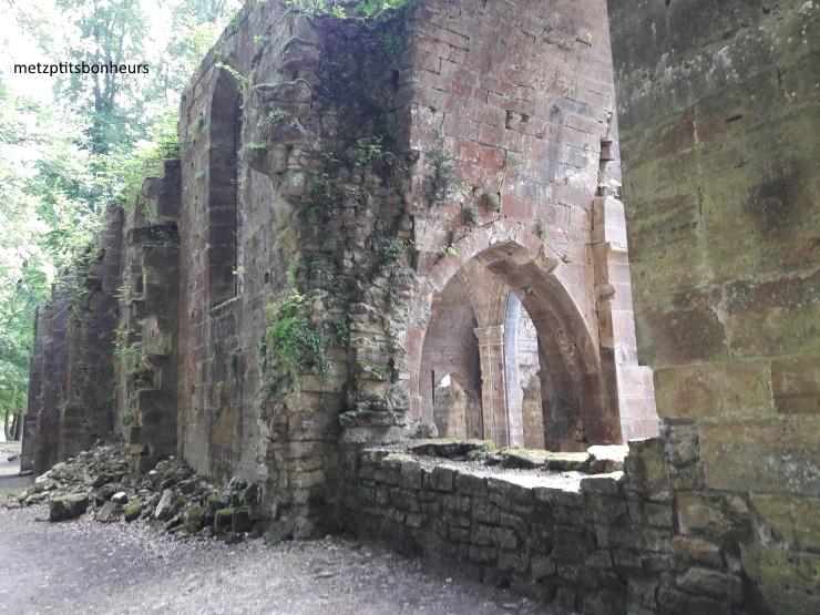 L'abbatiale des Trois Fontaines.