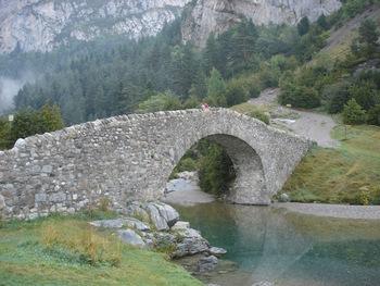 Le pont de San Nicolas de Bujuarelo