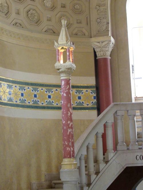 Les anciens établissements thermaux d'Auvergne étaient superbement décorés....