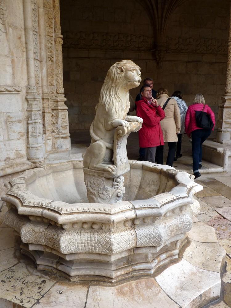 Fontaine au lion