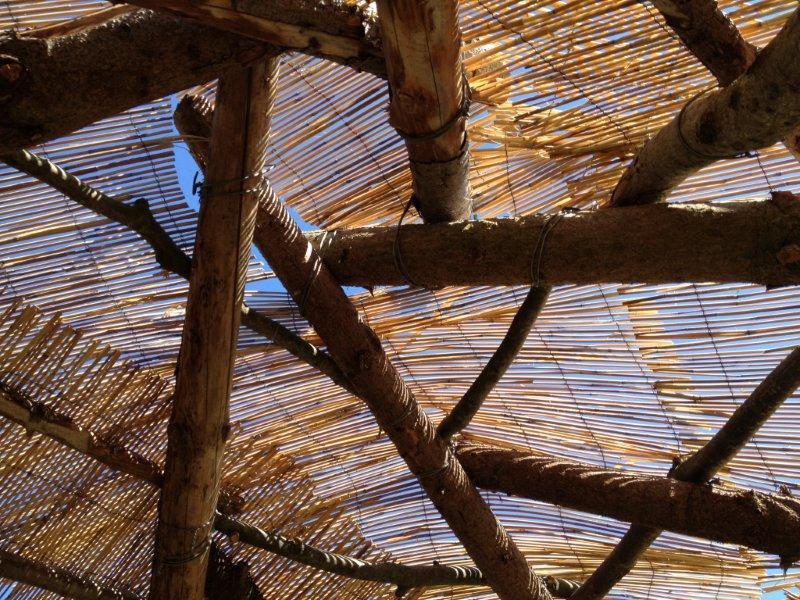 Des nattes de bambou pour la sous-toiture