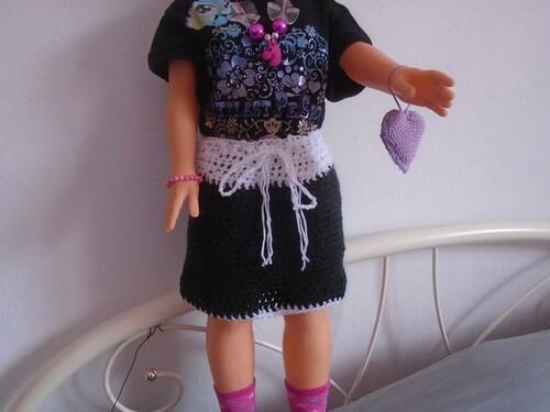 jupe pour poupée au tricot
