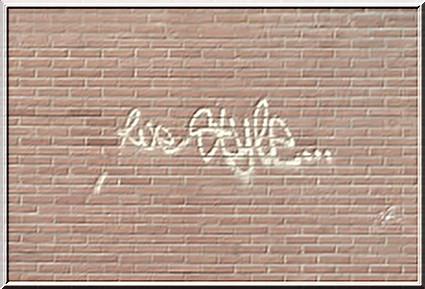 Big bisous de Soyaux ( Charente ) Photo de activité artistique on the briques