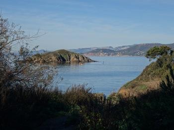 La Calanque du four à chaux et l'île de la Redonne