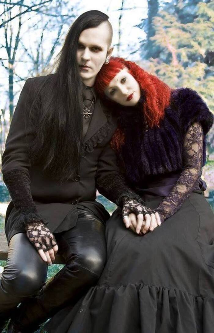 Couples gothiques romantiques