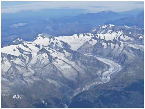 - Glacier vu du ciel