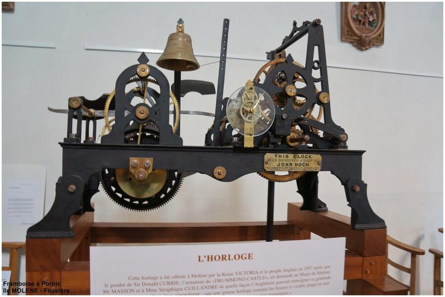 Ile de Molène - mécanisme de l'horloge offert par la reine Victoria