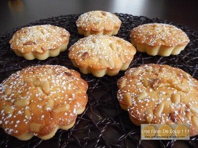 Gâteaux moelleux au citron et aux pignons