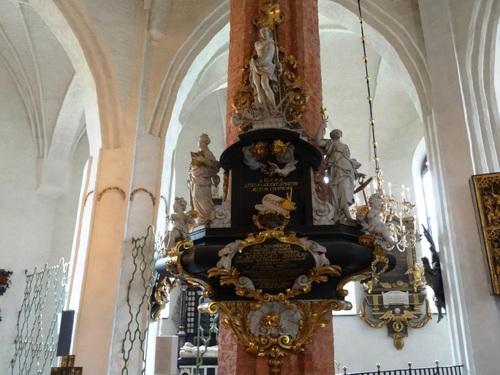 Väästeräs en suède: son église et ses beaux retables (photos)